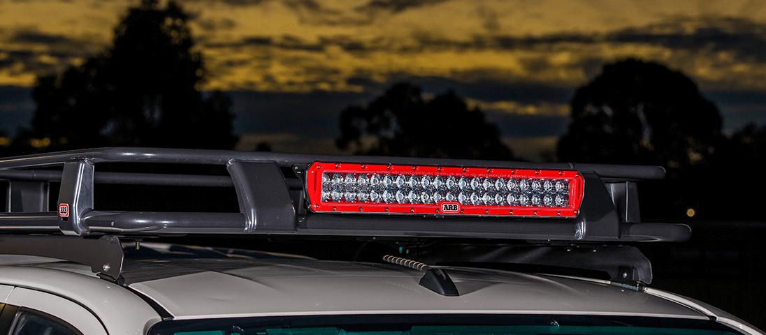 ARB INTENSITY(インテンシティ)LEDライトバーAR40 デラックスルーフラック装着時