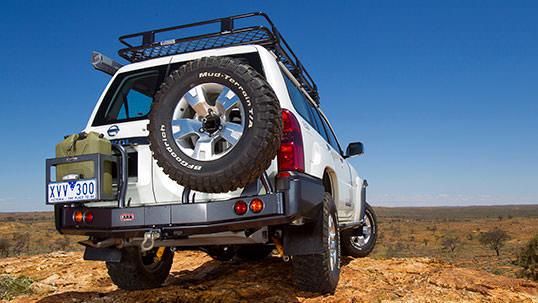 ARB リアバンパー 背面タイヤキャリア・ジェリ缶ホルダー