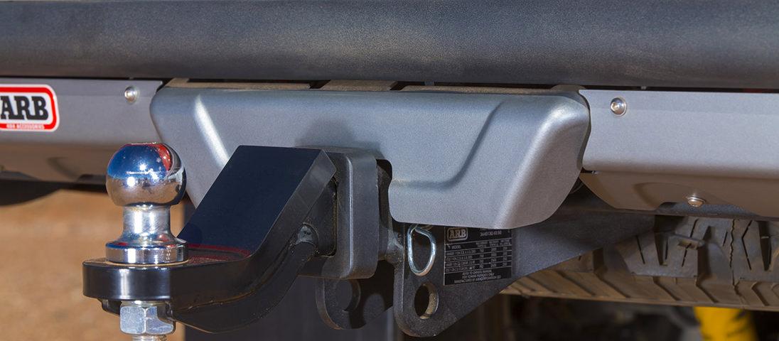 ARB サミットリアステップバンパー ハイラックス ヒッチメンバー装備