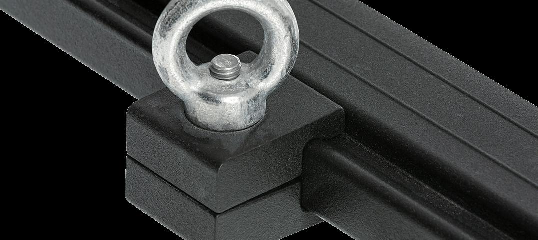 ARB BASE RACK ベースラック:薄型フラット ルーフラック アイボルトタイダウン 単体装着画像