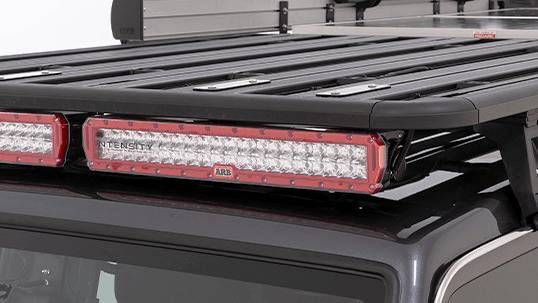ARB INTENSITY インテンシティ LEDライトバー Rhino-Rack(ライノラック)ルーフラックに装着(2)